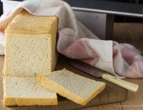 Pane a cassetta ricetta di base