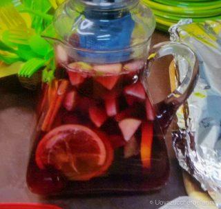 idee buffet compleanno sangria vino frutta