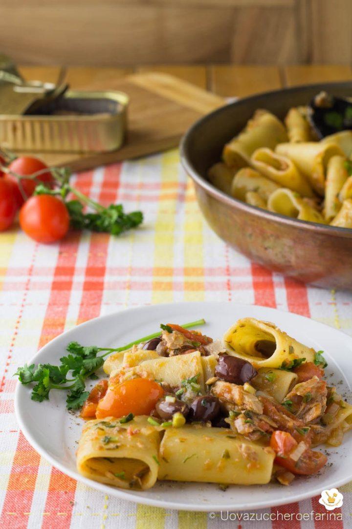 paccheri sgombri olive taggiasche pomodorini