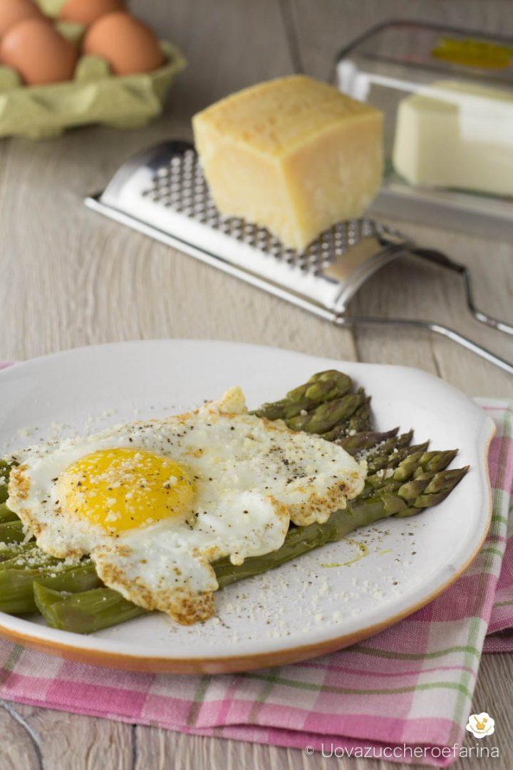 asparagi bismarck ricetta primaverile