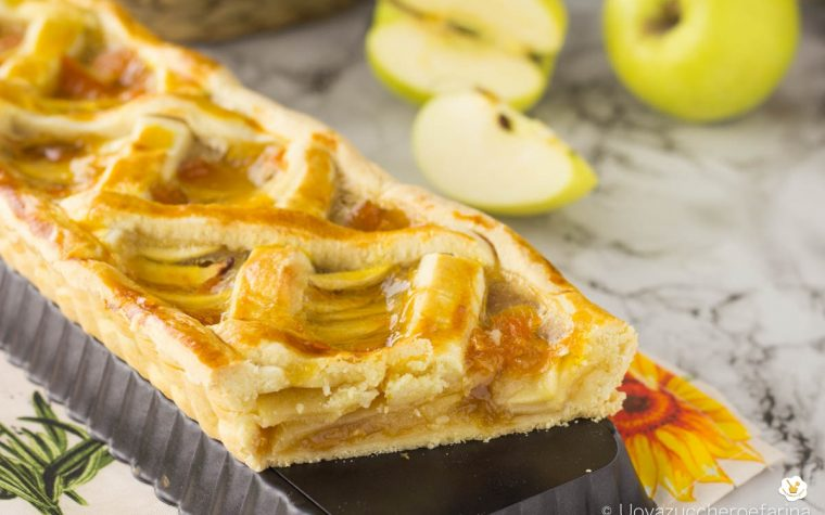 Crostata semplice con mele e confettura