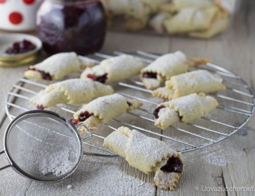 Rogaliki biscotti polacchi con la marmellata