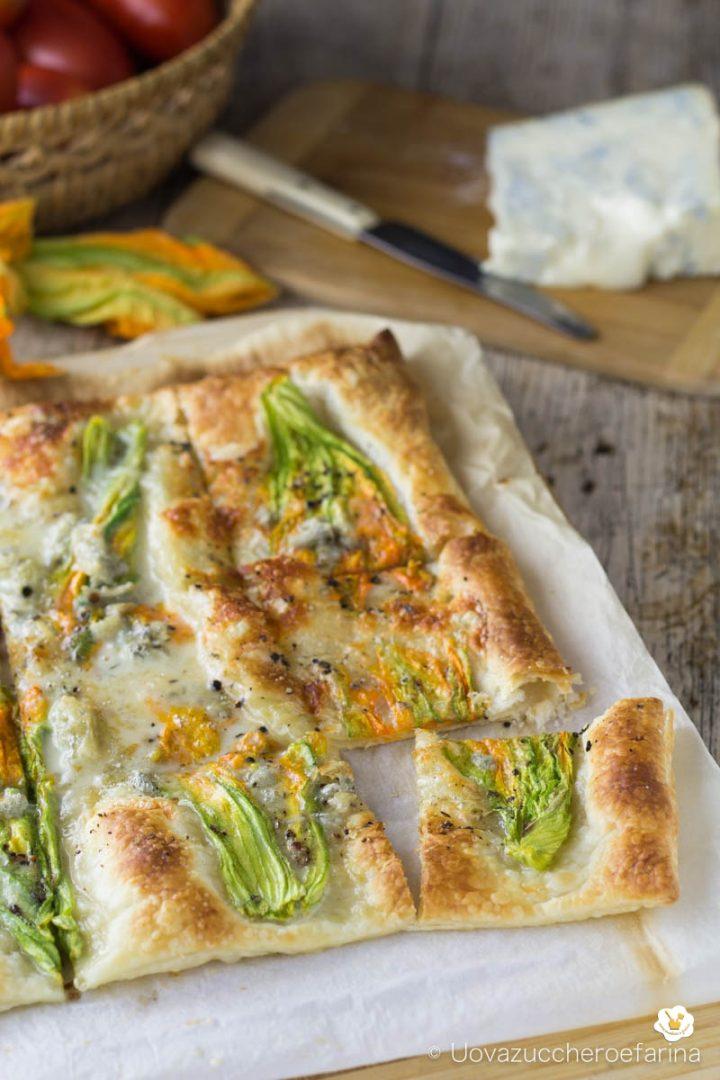 Fiori Salati Giallo Zafferano.Torta Salata Con Fiori Di Zucca E Gorgonzola Ricetta Facile E Veloce