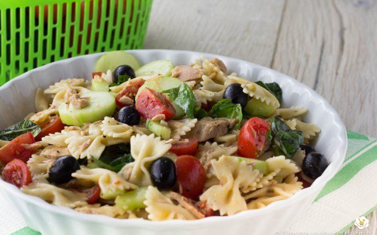 Pasta fredda con tonno cetrioli olive