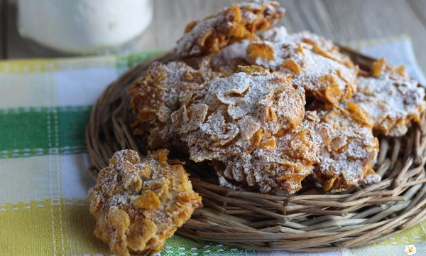 Biscotti con i corn flakes o rose del deserto