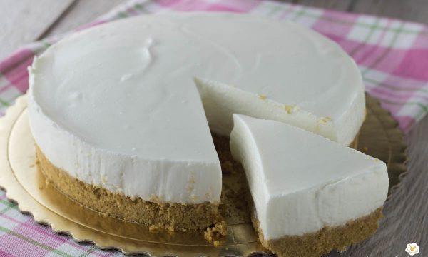 Cheesecake con yogurt greco senza cottura
