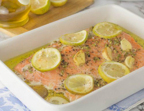 Salmone al forno con cottura a bassa temperatura