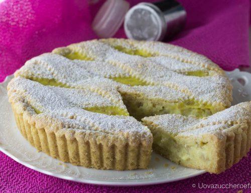 Crostata con crema pasticciera e grano cotto