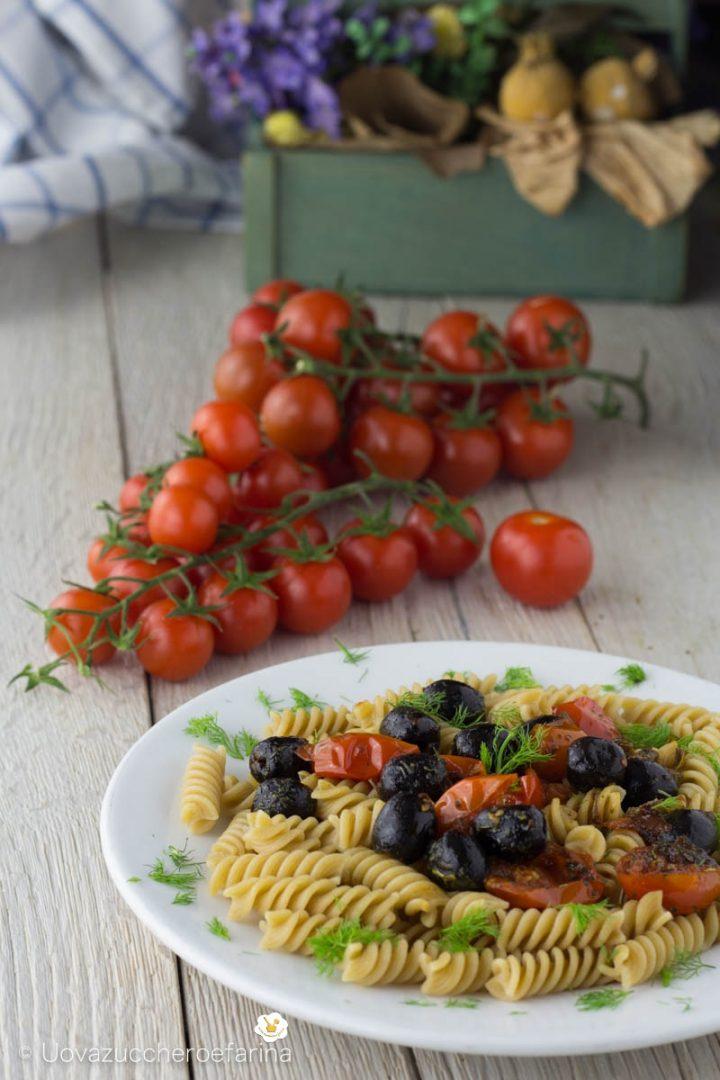 fusilli integrali pomodoro olive capperi