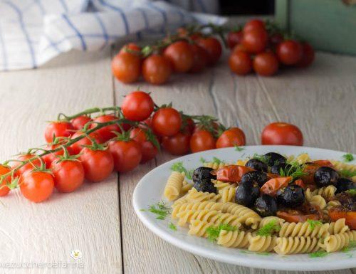 Fusilli integrali con pomodorini e olive