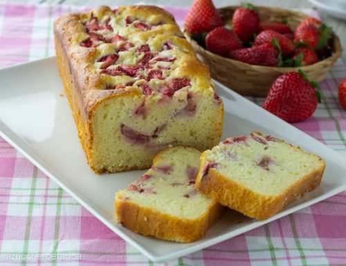 Plumcake allo yogurt e fragole