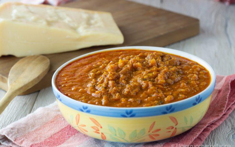 Ragù con le croste di Parmigiano