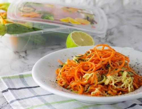 Spaghetti di verdure marinati allo zenzero