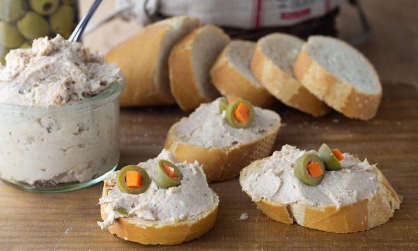 Crema di tonno e formaggio per tartine