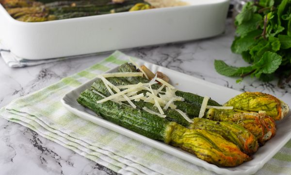 Zucchine con i fiori ripieni di ricotta
