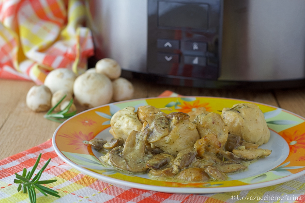 petto pollo funghi slow cooker