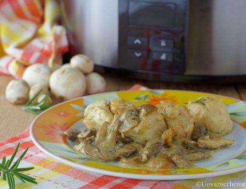 Bocconcini di pollo e funghi in slow cooker Chup Chup Matic