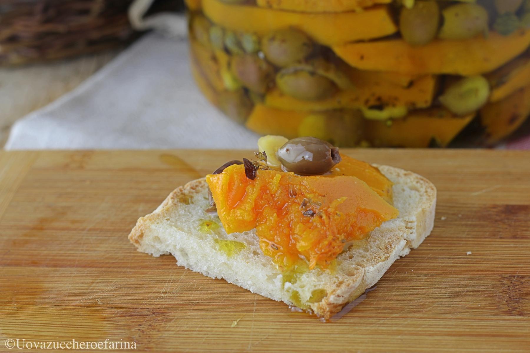zucca sott'olio con olive taggiasche fetta