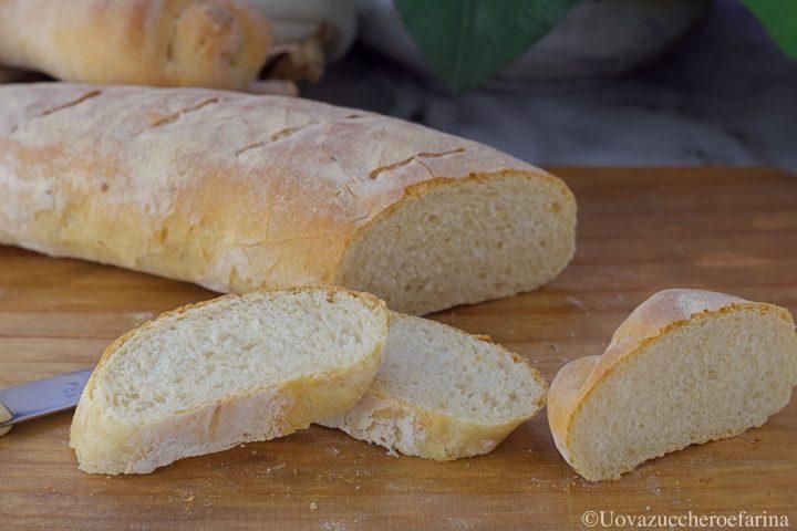 pane fatto casa tipo baguette
