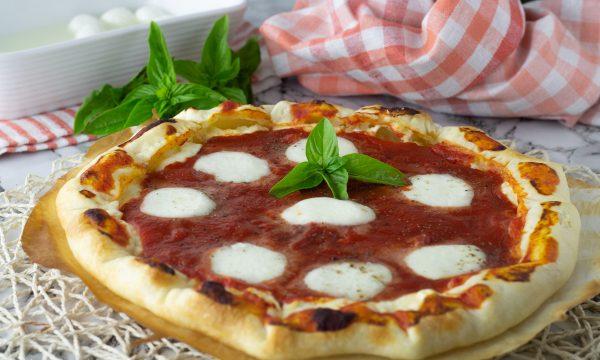 Pizza di sfoglia ripiena