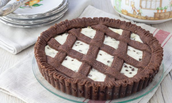 Crostata al cacao con pere ricotta e cioccolato