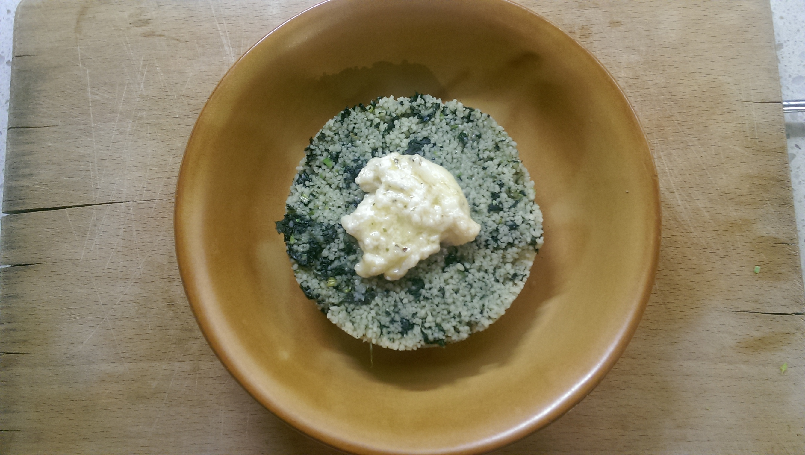 Cous cous all 39 ortica con crema di formaggio uovo in camicia for Cucinare ortica