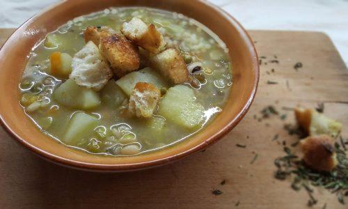 Zuppa di legumi con patate