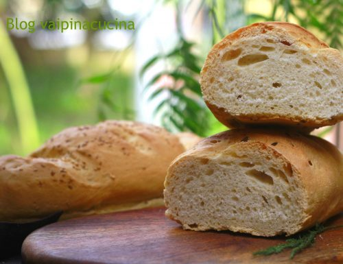 Pane con semi di finocchio e sesamo