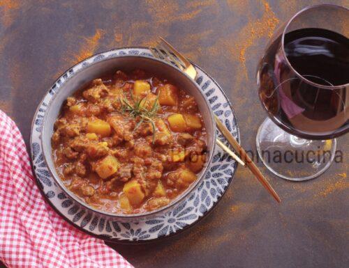 Goulash ungherese ricetta