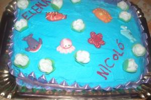 torta di compleanno con i pesciolini