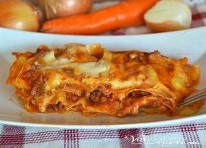 Lasagne con ragù e mozzarella primo piatto