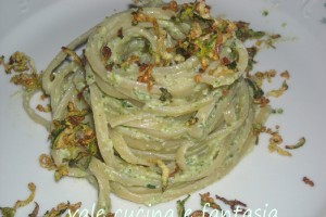 Linguine con pesto di rucola,zucchine e basilico
