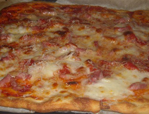 Pizza all'amatriciana,ricetta saporita