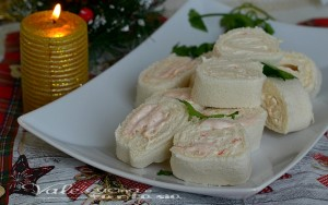 Girelle di pancarrè con crema di gamberetti