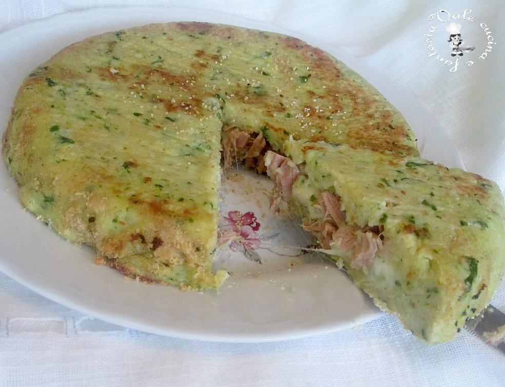Sformato di patate e zucchine ripieno di tonno e formaggio