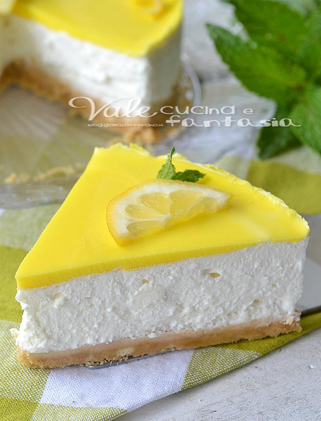Torta fredda al limone e ricotta ricetta senza cottura