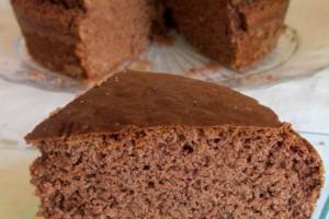 Torta al cioccolato con farina di castagne ricetta leggera