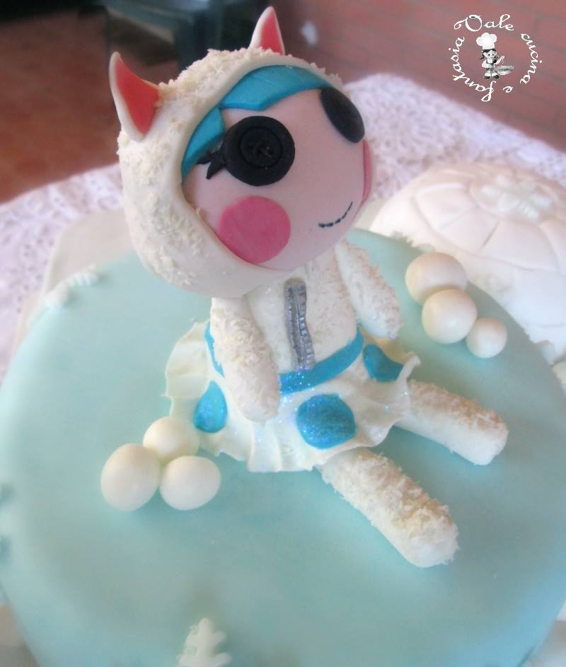 Torta decorata con lalaloopsy ed igloo