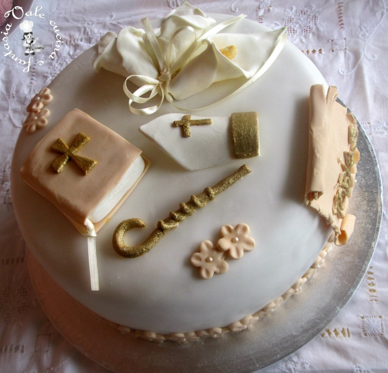 Preferenza decorata in pasta di zucchero per cresima TJ46