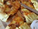 Pizza rustica con funghi e mozzarella