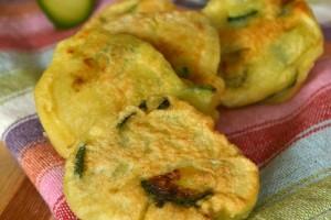 Frittelle veloci con zucchine e ricotta