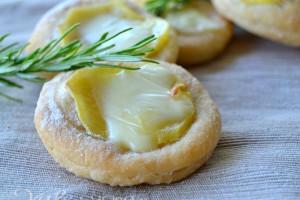 Pizzette con patate e scamorza ricetta finger food