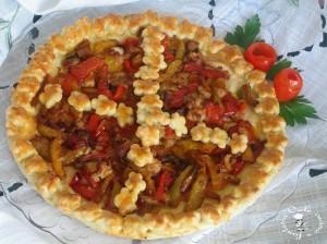 Crostata-salata-con-tonno-e-peperoni