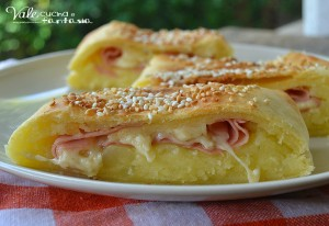 Rustico di patate mortadella e formaggio ricetta facile