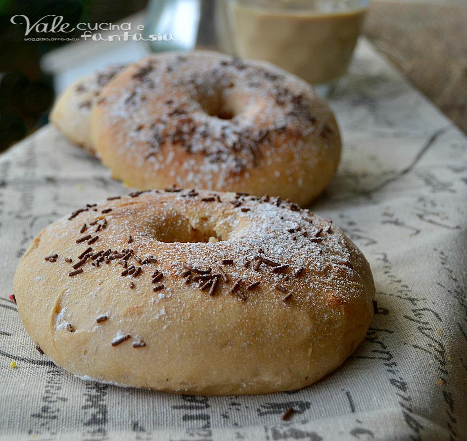 Ciambelle al forno con ricotta e caffè