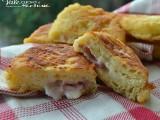 Panzerotti di patate con prosciutto e formaggio