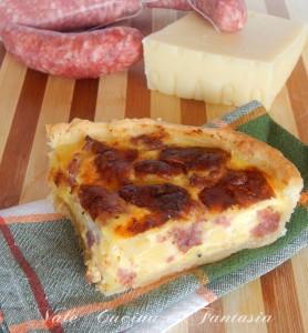 torta-rustica-con-patatesalsicce-e-asiago