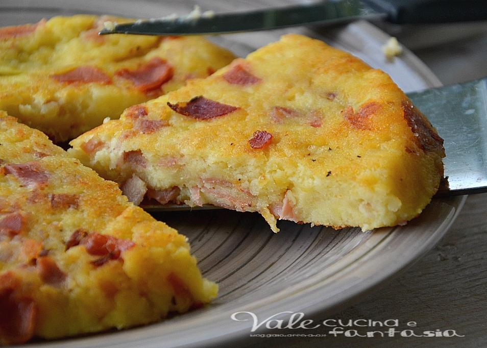 Schiacciata di patate e speck ricetta facile e veloce for Quando raccogliere le patate