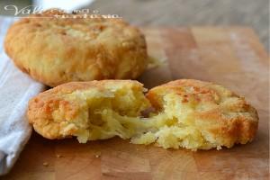 Focaccine fritte al formaggio ricetta facile e veloce
