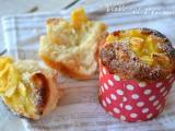 Muffin di pasta brioche con mele e crema pasticcera